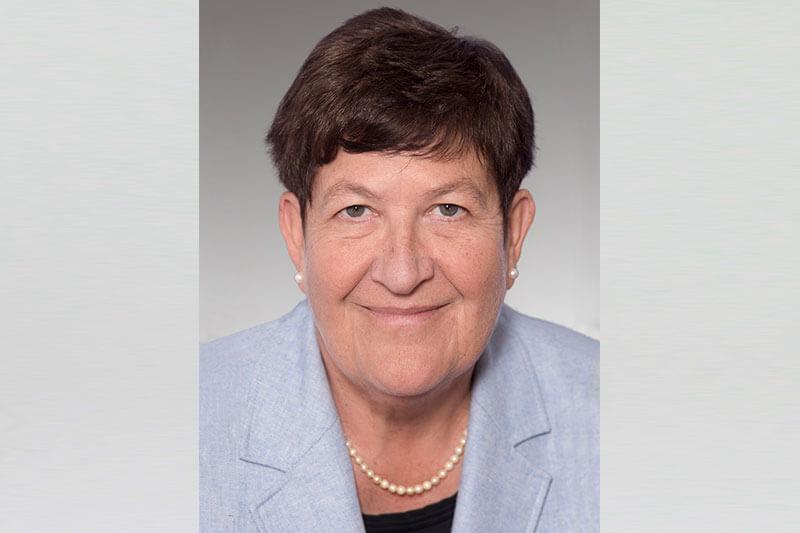 Martina Piszczan-Bais